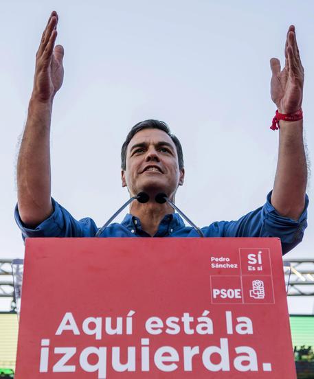 Spagna: Sanchez rieletto segretario Psoe dimensione font +
