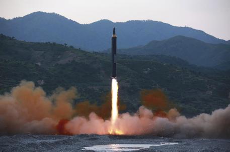 Foto d'archivio di un missile lanciato dalla Corea del Nord © ANSA