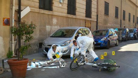 Palermo choc, il boss Dainotti ucciso in strada: sparatoria davanti ai passanti