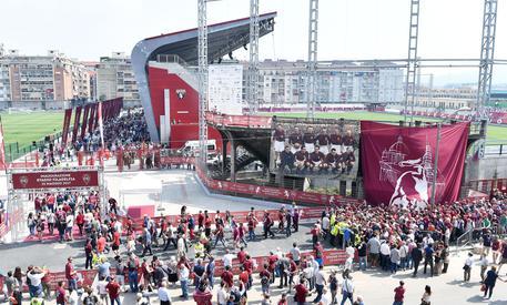 Blitz polizia, 75 daspo per ultrà 'Torino Hooligans'