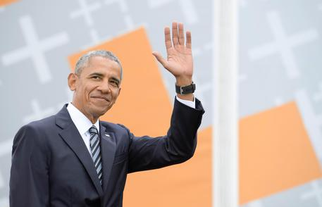 Folla per Obama Berlino, 'mondo a bivio'