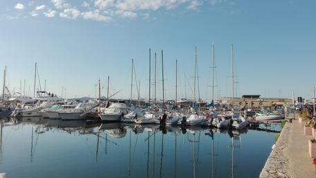 Rubano una barca dal porto di Alghero