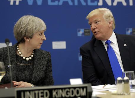 Donald Trump e Theresa May © AP