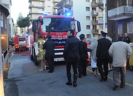 Arma di Taggia - Incendio nell'attico dell'ex Hotel Vittoria, due feriti