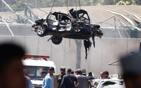 Camion-bomba a Kabul, almeno 90 morti e 400 feriti © EPA