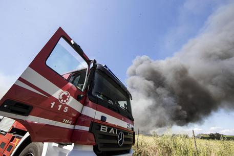 L'incendio in una immagine di ieri © ANSA