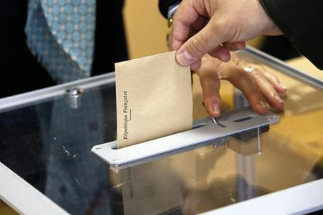 Francia: aperti seggi, cruciale ballottaggio Macron-Le Pen © EPA