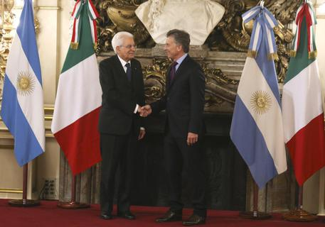 Il presidente Mattarella con il presidente argentino Mauricio Macri © EPA