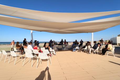 Matrimonio Sulla Spiaggia Emilia Romagna : Matrimonio in spiaggia a cervia e in riviera romagnola u fantini club