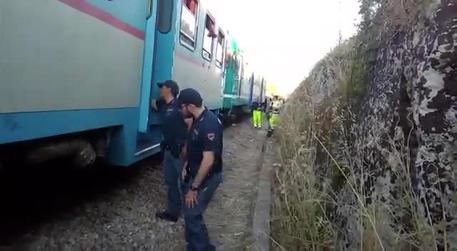 Terrore sui binari: scontro fra littorine nel Salento, diecine i feriti