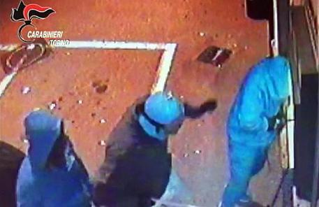 Sgominata la banda dei bancomat: 11 arresti, anche nel Mantovano