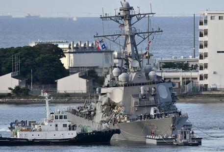 Giappone, cacciatorpediniere Usa contro mercantile: sette dispersi