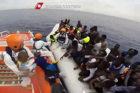 As Migration Surges, Italy Weighs Barring Some Rescue Boats