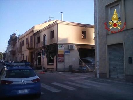 Cagliari, esplosione nella notte: distrutto un bar di Pirri