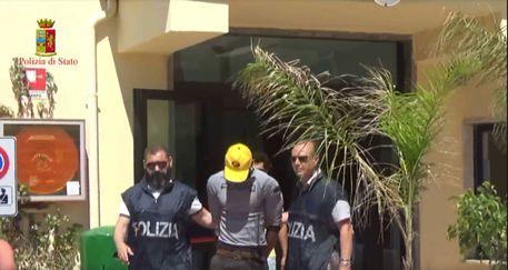 Migranti: arrestato trafficante uomini e torturatore © ANSA