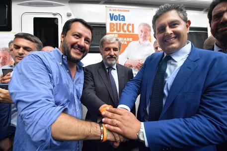 Sindaco Bucci, Genova stufa di sinistra