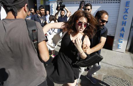 Turchia: manifestanti Gay Pride arrestati a Istanbul