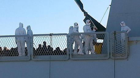 Migranti, in arrivo altri 1000; tra loro il cadavere di un bimbo$