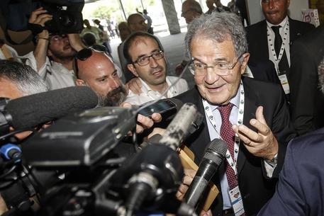 Prodi: serve legge elettorale che obbliga ad accorpamenti