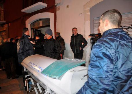 Genova, giallo ad Albaro: fratelli trovati morti di fame e sete
