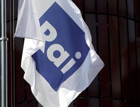 l logo Rai su una bandiera © ANSA