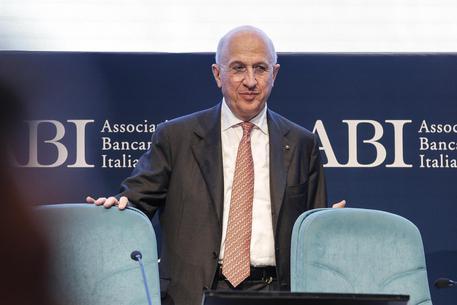 Banche, Abi: a maggio sofferenze a 76,5 mld, minimi da 3 anni