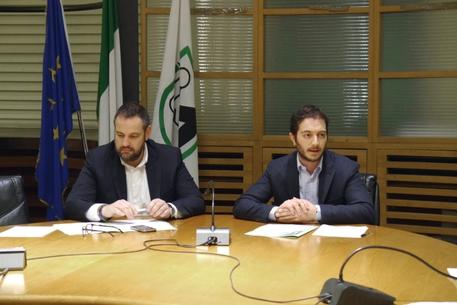 Regioni busilacchi in gruppo misto mdp marche for Gruppo misto camera