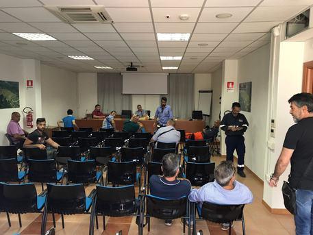 Carbonia, i lavoratori della Portovesme occupano gli uffici della Provincia