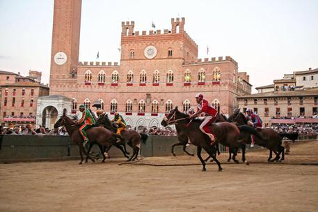 Palio Siena: vittoria all'Onda con Sanna