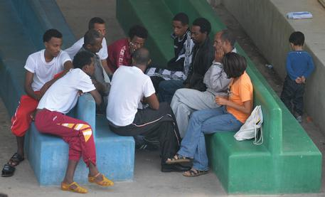 Migranti nel Centro di prima accoglienza di Lampedusa © ANSA