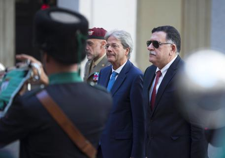 Paolo Gentiloni incontra Fayez al-Sarraj, 26 luglio 2017 © EPA