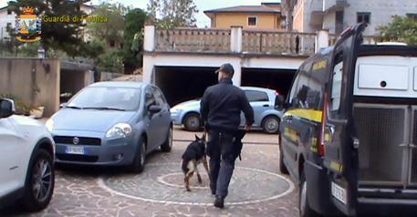 Lodi: operazione gdf, cinque arresti per corruzione