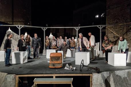 A monticchiello in scena il 39 mal comune 39 teatro - Calendario diva futura ...