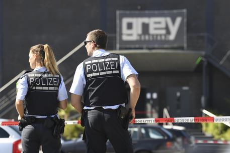 Polizia, sparatore Germania iracheno, escluso terrorismo © AP