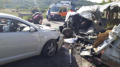 Incidenti stradali sulla A2: morte due persone