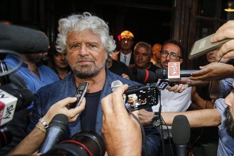 Botta e risposta Micciché-Grillo: