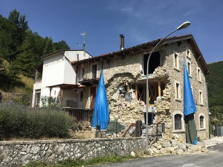 Gentiloni a Arquata, visiterà nuovo villaggio di Sae © ANSA