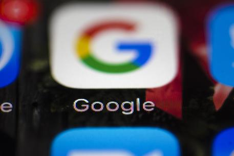 Fake news su siti fact-checking, Google le rimuove © AP