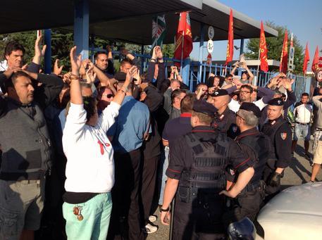 Lavoratori Comital in protesta, forti tensioni