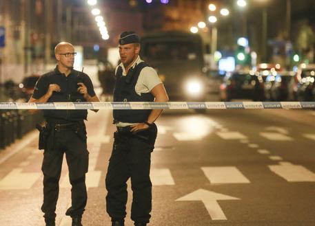 Anversa, crolla palazzina: l'arrivo dei mezzi di soccorso