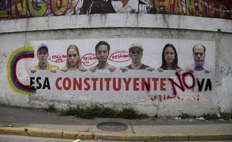 Venezuela: gruppo militari si ribella a Maduro, non è un golpe