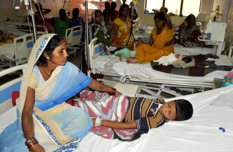 India, 61 neonati morti in 72 ore nell'ospedale di Gorakhpur