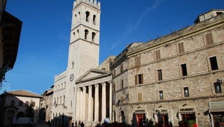Albergatori Assisi, no imposta soggiorno - Umbria - ANSA.it