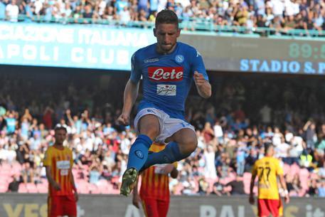 Serie A: 6-0 del Napoli al Benevento 742fe1e16aa526c68c24890ebd0ce102