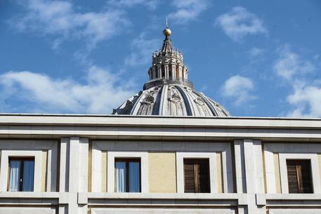 Vaticano: polemica su ex revisore conti.