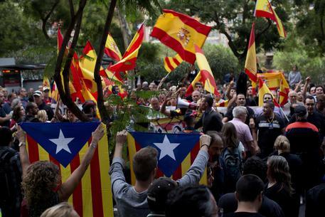 Referendum Catalogna, Madrid: sigillati 1.300 seggi
