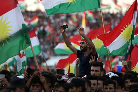 Kurdistan: si vota per storico referendum in Iraq, file ai seggi