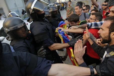Il presidente catalano Puigdemont: