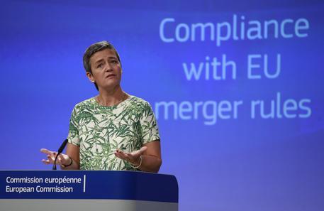 Luxottica, Bruxelles avvia un'indagine approfondita sulla fusione con Essilor