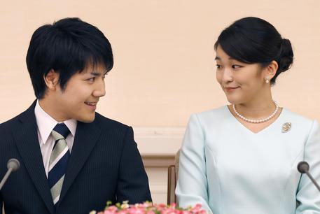 La principessa Mako rinuncia al titolo per amore: domani l'annuncio del fidanzamento